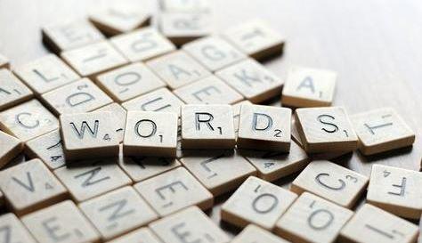 背单词不应该先背拼写,而应该先背词性和词义!